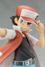Pokemon-Trainer-Red-ARTFX-J-Image-11